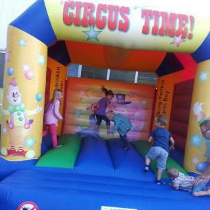 Karin Boy Hüpfburg Circus